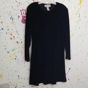 Pretty long sleeve black dress